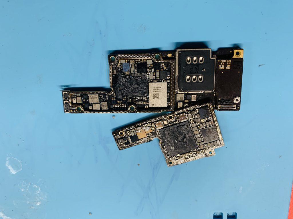 IPHONE XS MAX WATER DAMAGE REPAIR.